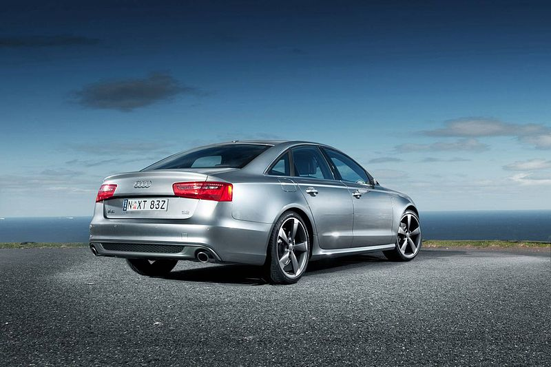 800px-2011_Audi_A6_-_NRMA_Drivers_Seat_-_Flickr_-_NRMA_New_Cars_(1)