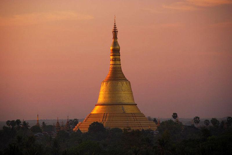 800px-Shwemawdaw_Pagoda,_Bago