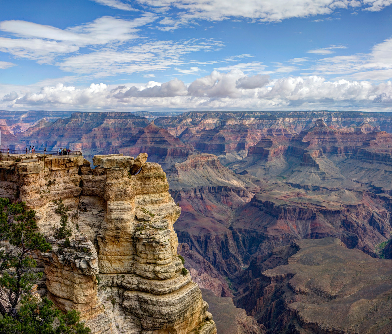 Grand_Canyon_National_Park_Mather_Point_Pano_03