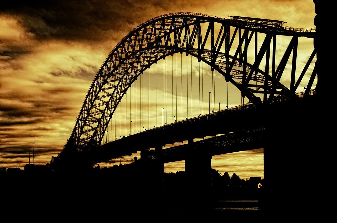 silver-jubilee-bridge-402943_1280