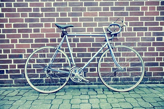 road-bike-594146_640