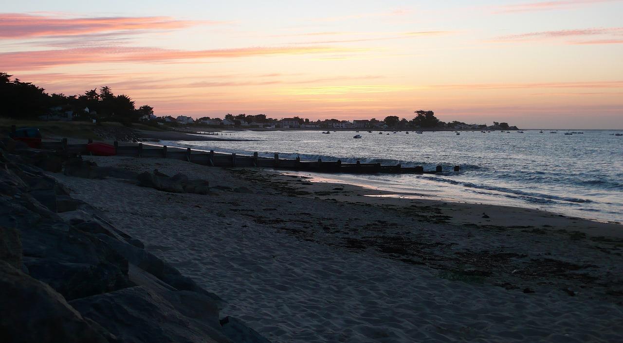 beach-110530_1280