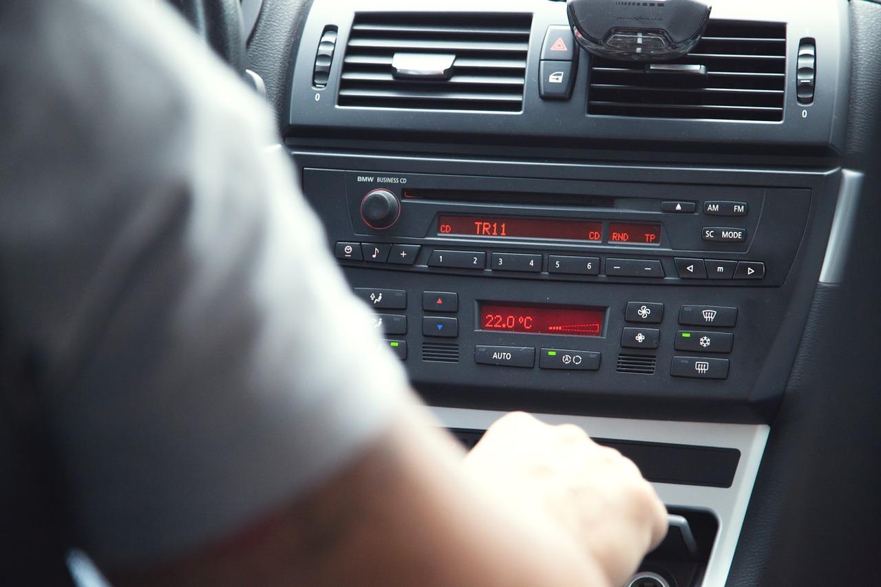 driver-438442_1280