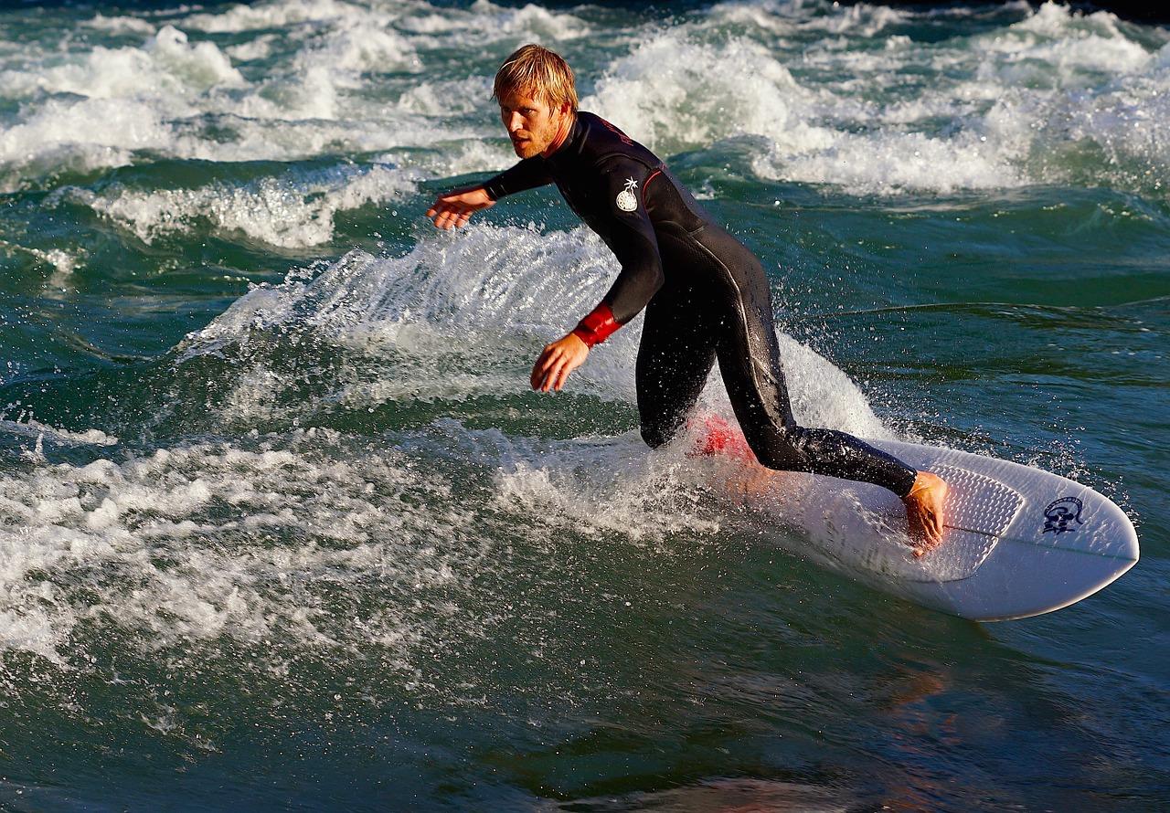 surf-825093_1280