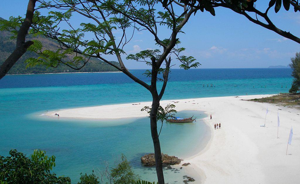 1024px-Koh_Lipe_island_coast