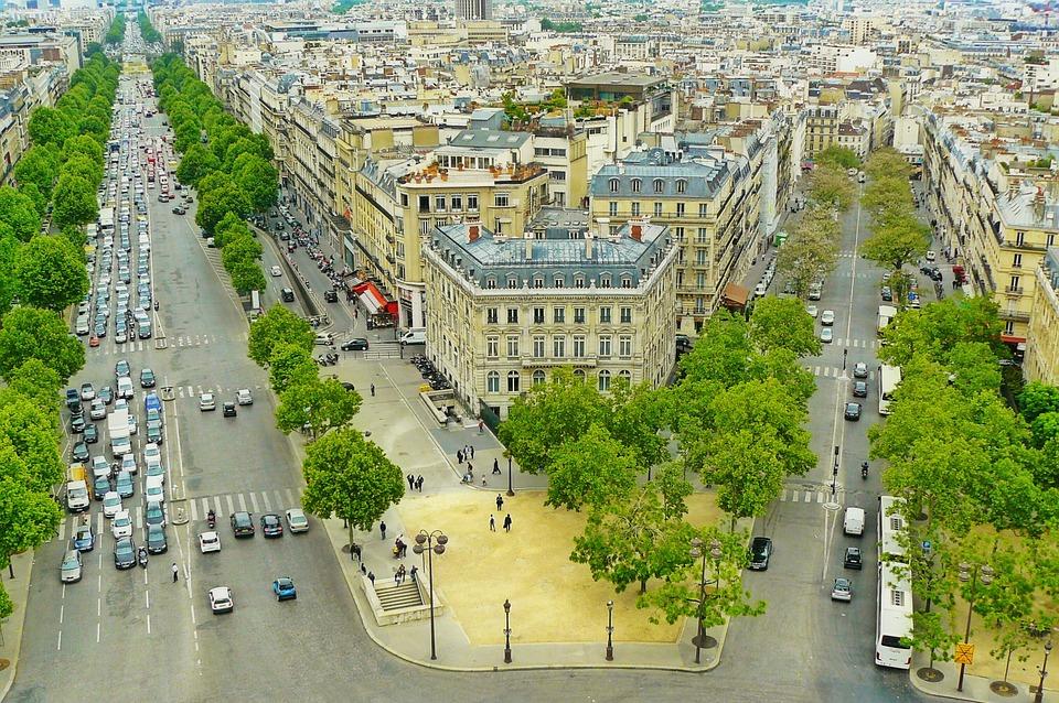 paris-882702_960_720