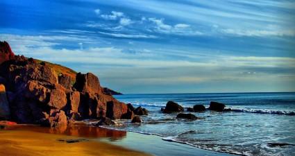 beach-889454_960_720