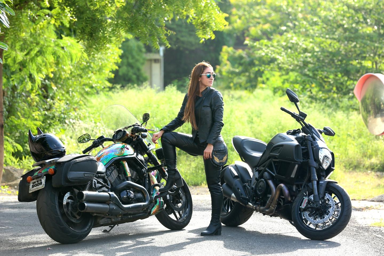 maral_yazarloo_biker